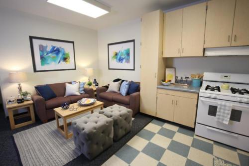 Phase 3 Livingroom and Kitchen